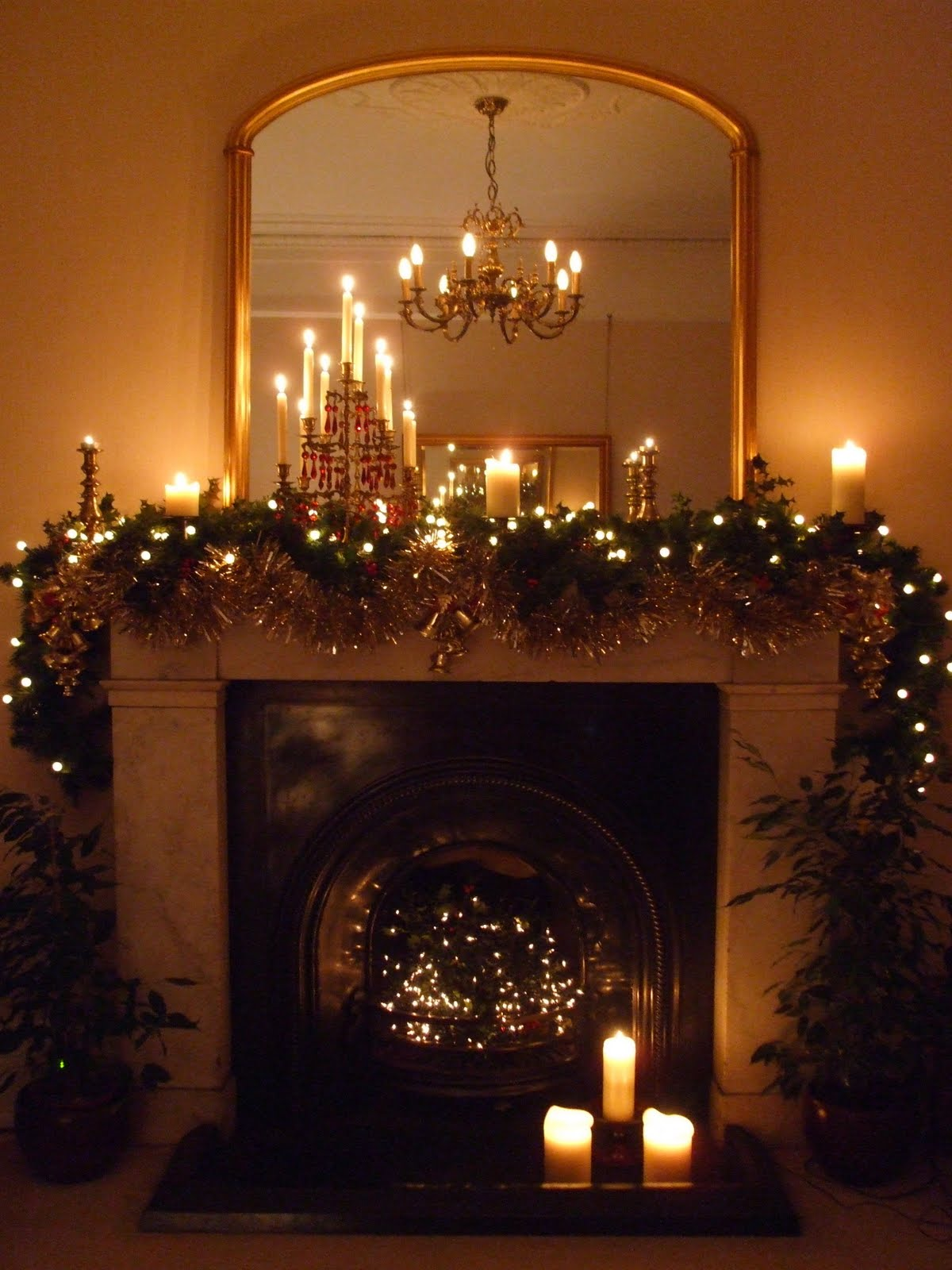 A beautifully decorated fireplace